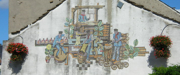 Mural fresco in town © FTLB/ P. Willems